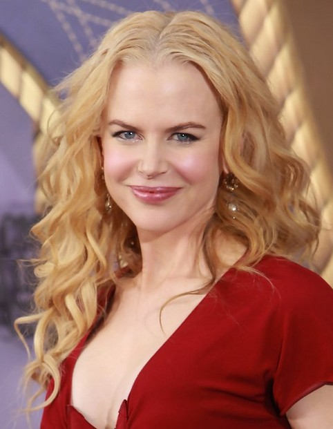 Nicole Kidman Long Hairstyle: Tousled Curls