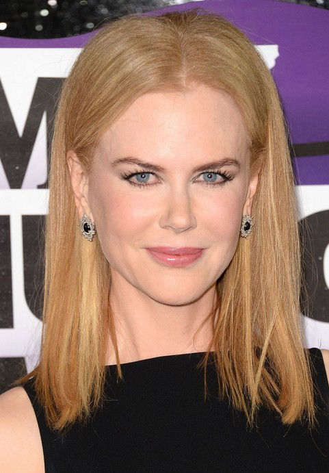 Nicole Kidman Medium Length Hairstyles: 2014 Straight Haircut with Center Part