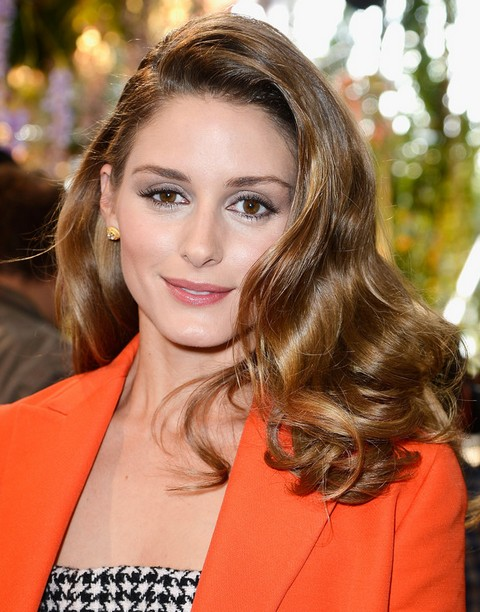 Olivia Palermo Hairstyles: Side-swept Medium Curls