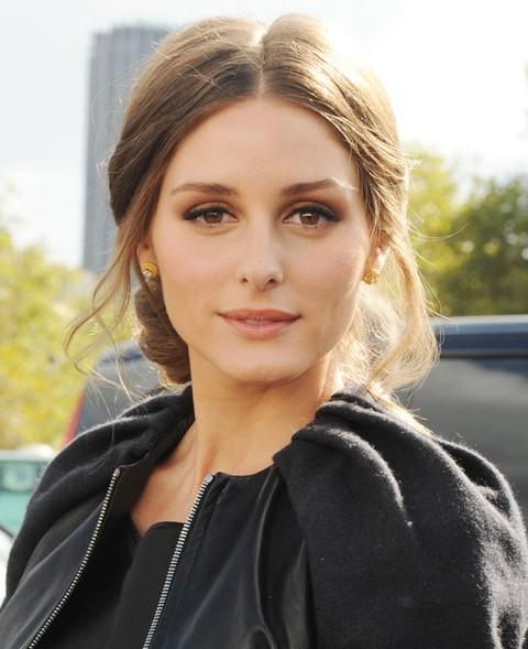Olivia Palermo Hairstyles: Sunny Messy Updo