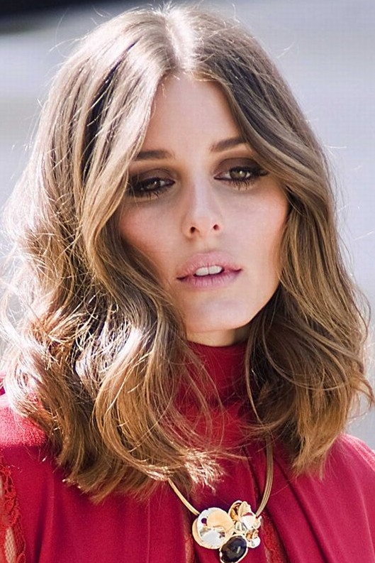 Olivia Palermo Hairstyles: Trendy Medium Curls