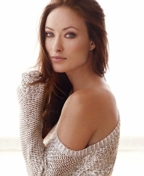 Olivia Wilde Hairstyles: Alluring Side-swept Hairstyle