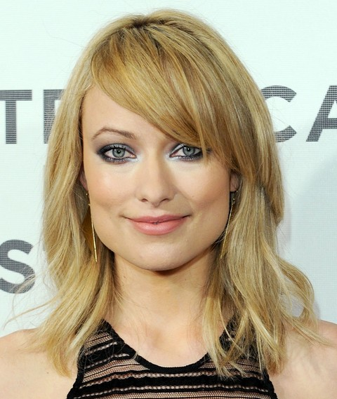 Olivia Wilde Hairstyles: Medium Layered Haircut with Bangs
