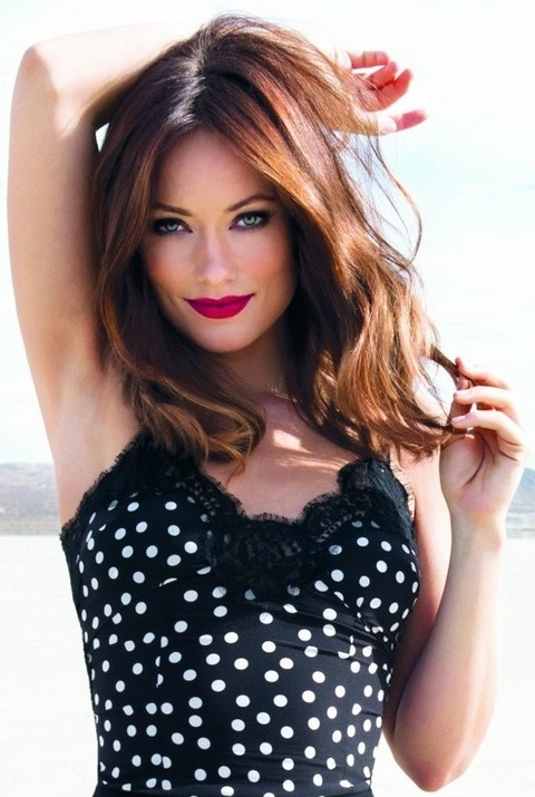 Olivia Wilde Hairstyles: Sexy Medium Wavy Haircut