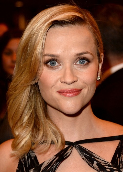 Reese Witherspoon Medium Length Hairstyle: Slightly Waves
