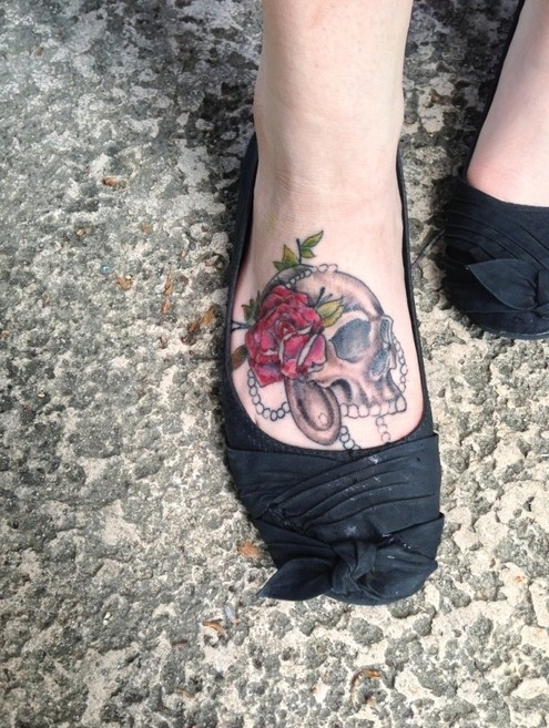 6e4c02f87 Rose Skull Tattoo Designs for Girls: Foot Tattoos
