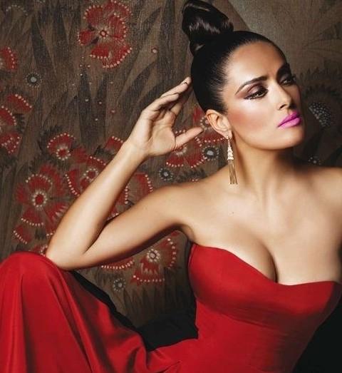 Salma Hayek Hairstyles: Edgy Hair Knot