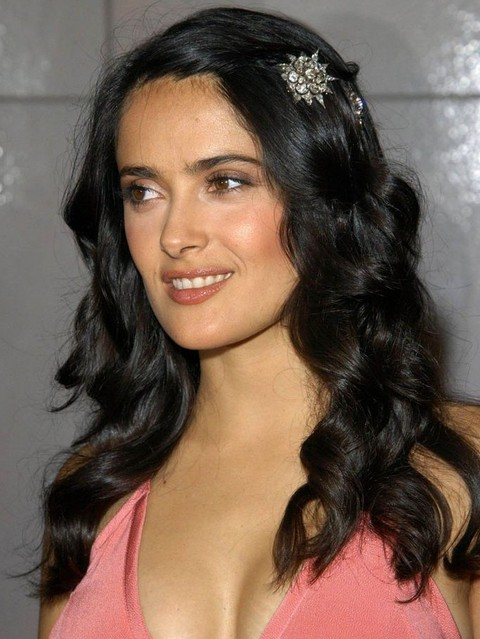 Salma Hayek Hairstyles: Raven Loose Curls with Hairpin