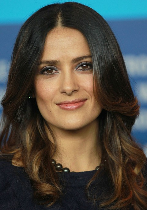 Salma Hayek Hairstyles: Sleek Medium Curls