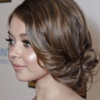 Sarah Hyland Hairstyles: Side-parted Updo