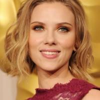 Scarlett Johansson Hairstyles: Short Wavy Haircut