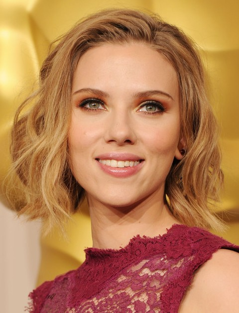 36 Scarlett Johansson Hairstyles Various Updos And Curly Hairstyles Pretty Designs