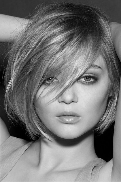 Miraculous Bob Hair With Fringe To Side Short Hair Fashions Hairstyle Inspiration Daily Dogsangcom