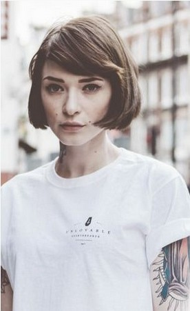 Side Parted Short Bob Haircut With Blunt Bangs