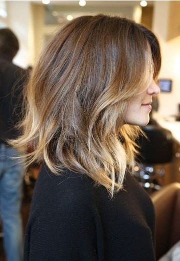 The Fantastic Shoulder Length Hairstyle for Ombre Wavy Hair