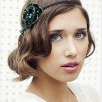 The Faux Bob Hairstyle with a Headband for Medium Brunette Wavy Hair
