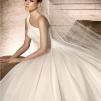 The Gorgeous Layered One-shoulder Wedding Dresses with Long Veils and Ruffles
