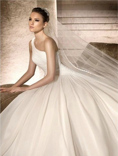 A Classic Collection of Gorgeous One-shoulder Wedding Dresses for ...