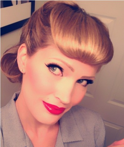 The Vintage Pin Up Hairstyle and Make-up for Women