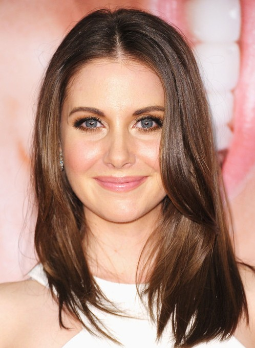 Alison Brie Long Hairstyles: 2014 Side Part