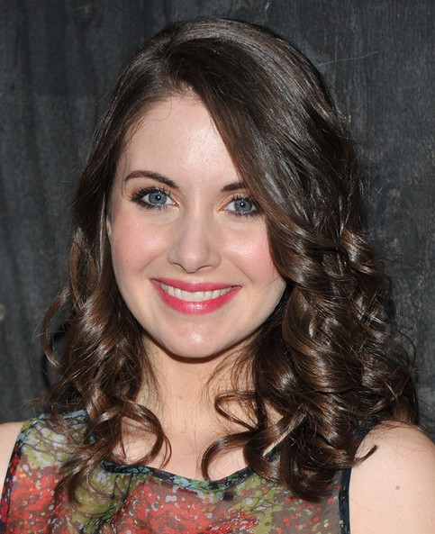 Alison Brie Medium Length Hairstyle: Curls for Thin Hair