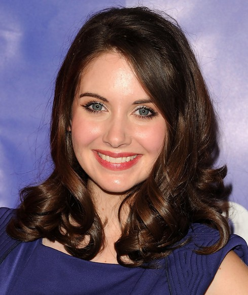 Alison Brie Medium Length Hairstyle: Curls with Side Part