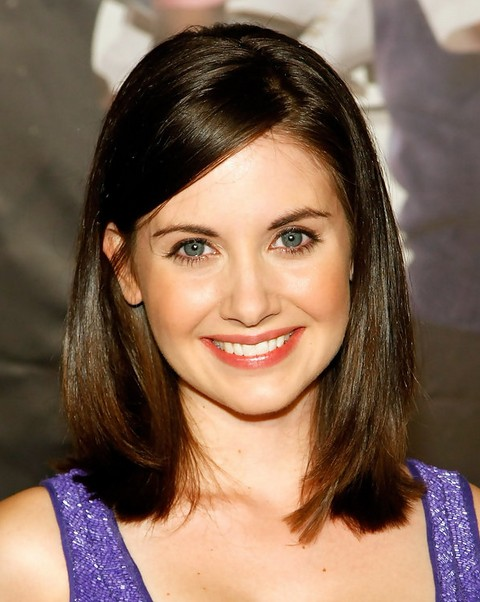Alison Brie Medium Length Hairstyle: Straight Bob