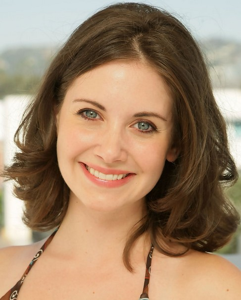 Alison Brie Short Hairstyle-Sunny: kiss Curls
