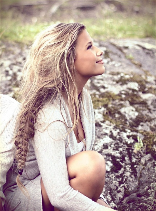 15 loose braided hairstyles for a boho chic look pretty designs. Black Bedroom Furniture Sets. Home Design Ideas