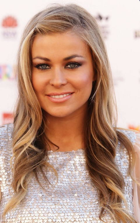 Carmen Electra Hairstyles: Cute Curls