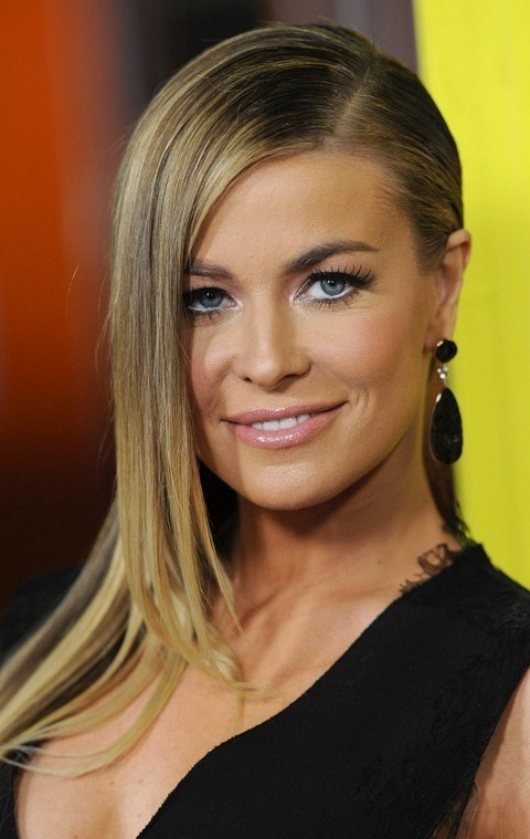 Carmen Electra Hairstyles: Deep Side Part