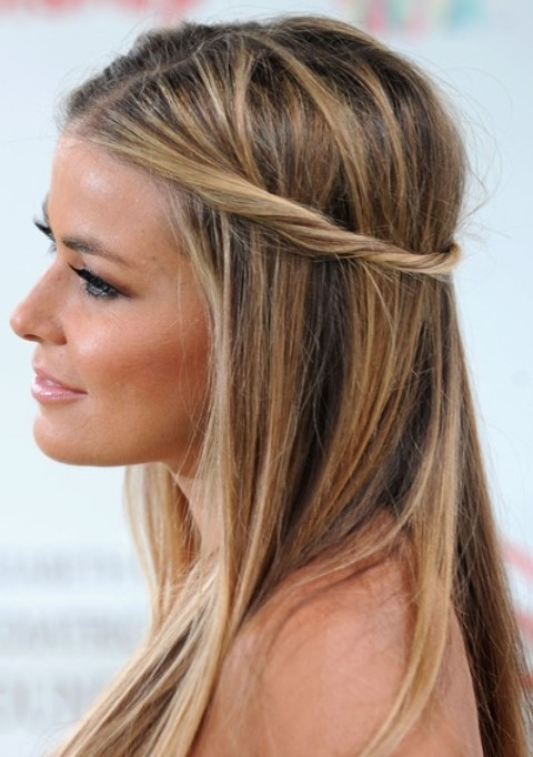 Carmen Electra Hairstyles: Straight Haircut with Twist