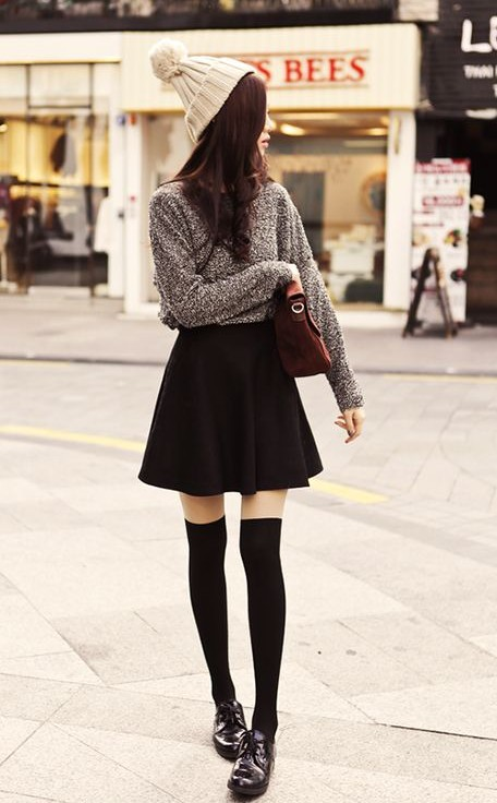 8 Ways to Wear Classic Black Skirt in Spring/Summer - Pretty Designs