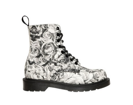DR.MARTENS 30mm Skull & Roses Printed Canvas Boots, black and white