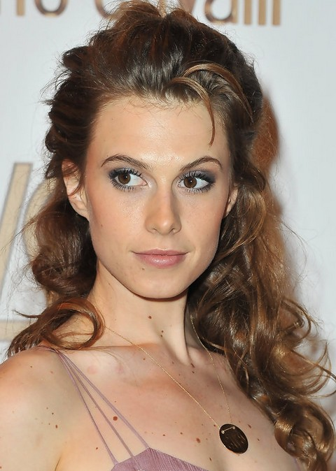 Elettra Wiedemann Long Hairstyle: Half Up Half Down for Curls