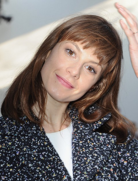 Elettra Wiedemann Medium Length Hair: Short Bangs