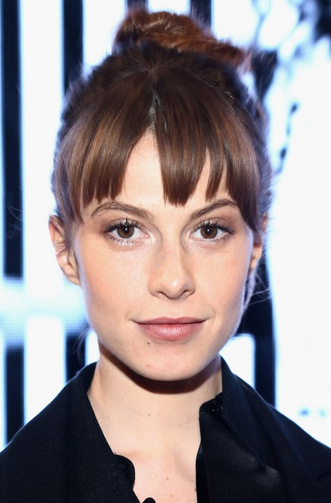 Elettra Wiedemann Updo Hairstyle- Hair Knot with Swept Bangs