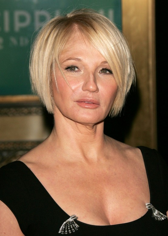 Ellen Barkin Short Bob Hairstyles for Women Over 50