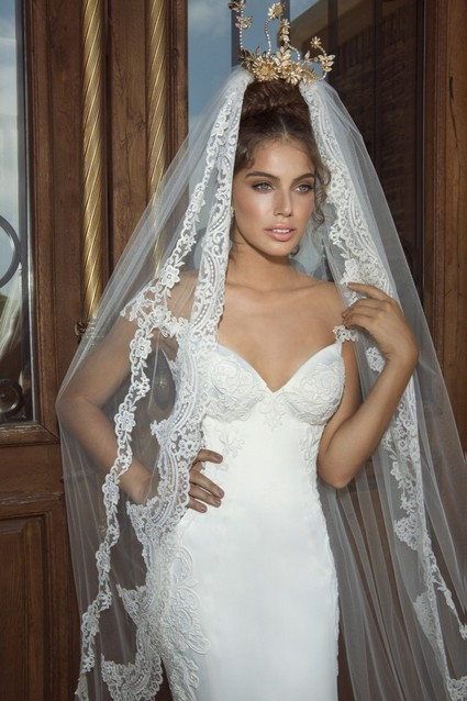 Lace Wedding Dress With Long Veil The Long Wedding Lace Veil