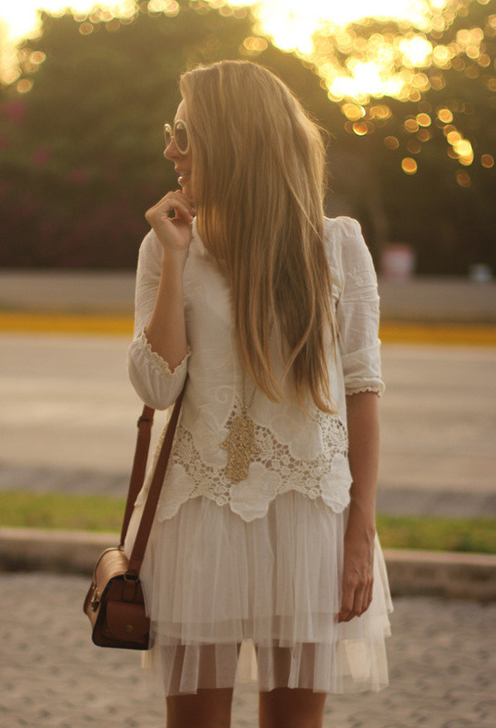 How to Wear the Tulle Skirts: All White Look