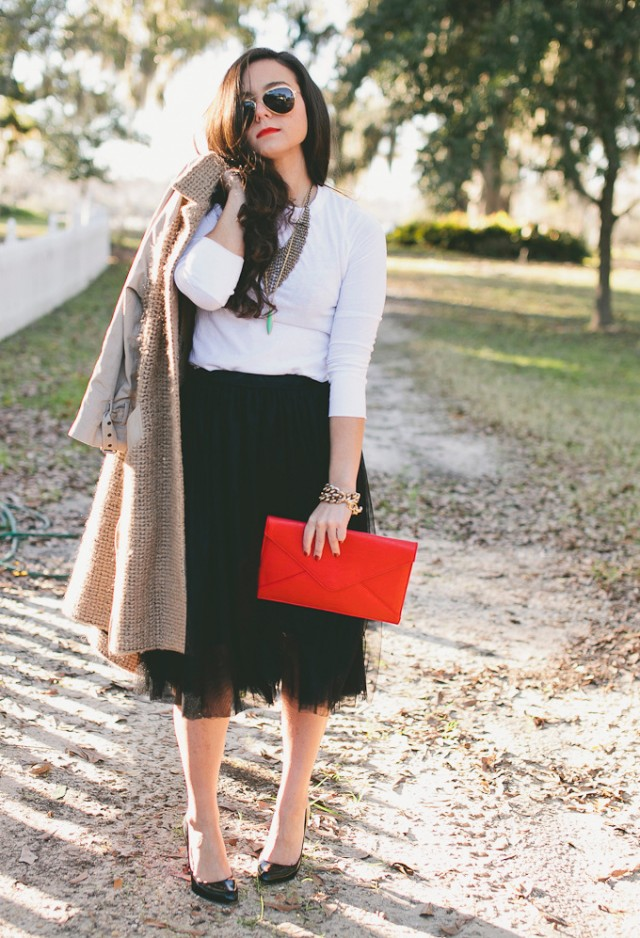 How to Wear the Tulle Skirts: Formal and Stylish Look