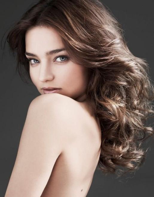 Miranda Kerr Hairstyles: Voluminous Curls
