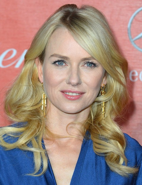 Naomi Watts Hairstyles: Long Curls with Bangs