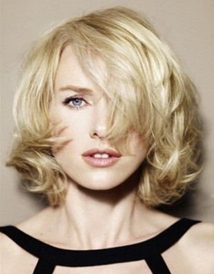 Naomi Watts Hairstyles: Short Curls