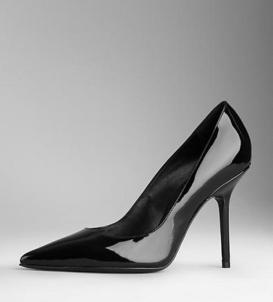 Burberry POINT-TOE PATENT PUMPS, black - Sparkly Style for 2014