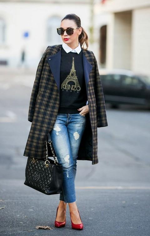 Un Peu Français - Cashmere in Style Black Kenzo sweater and boyfriend jeans