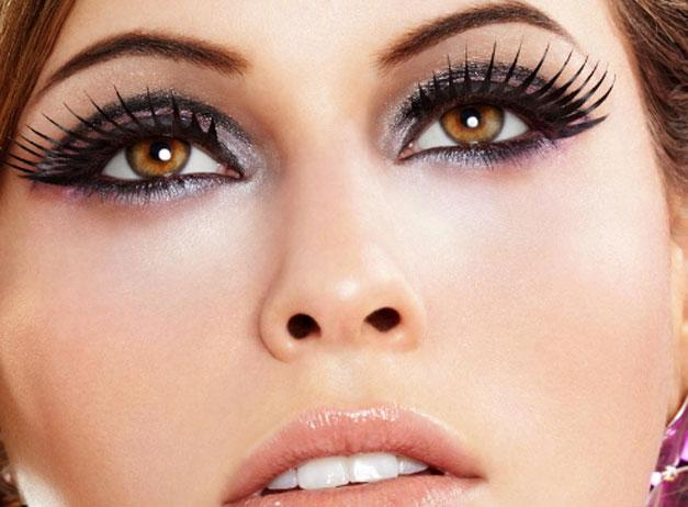 3 Simple Steps to Apply False Lashes Perfectly - Pretty Designs
