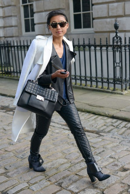 Cool Layered Outfit Idea Outside the London Streets