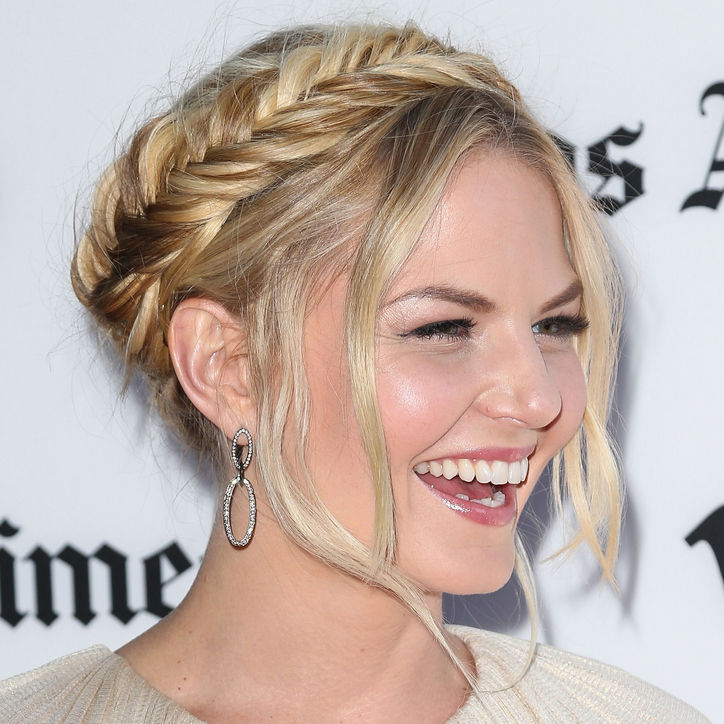 http://www.prettydesigns.com/wp-content/uploads/2014/02/Jennifer-Morrison%E2%80%99s-Crown-Braid.jpg