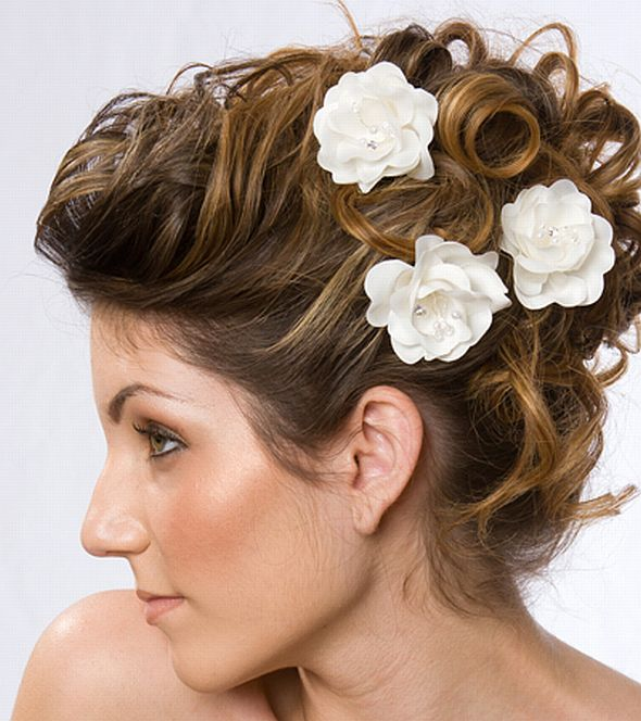 Messy Bun with Pretty Flowers